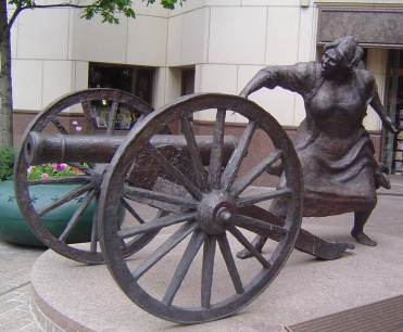 angelina_eberly_statue_in_austin_texas